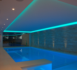 Luxus Pool RGB LED Belaeuchtung