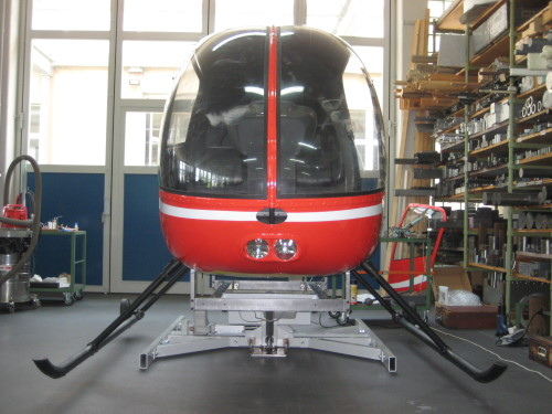 Simulator-R22-Helikopter-montiert-Vrontansicht
